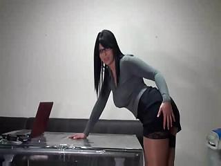 Hot Brunette Amateur MILF Sucks And Fucks
