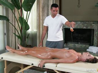 pretty babe is lying on the table naked to masseur for massage, he loves to oil such babes with his hand, after oiling her sexy body started the massage and made her ready for hardcore fuck by kissing her and fingering in her oily cunt. She in response lay him down on the table and suck his dick