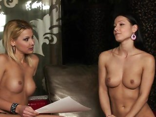 Cindy Hope has a naked interview with Carrie Du Four