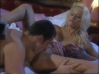 Hot blonde with luscious lips loves anal